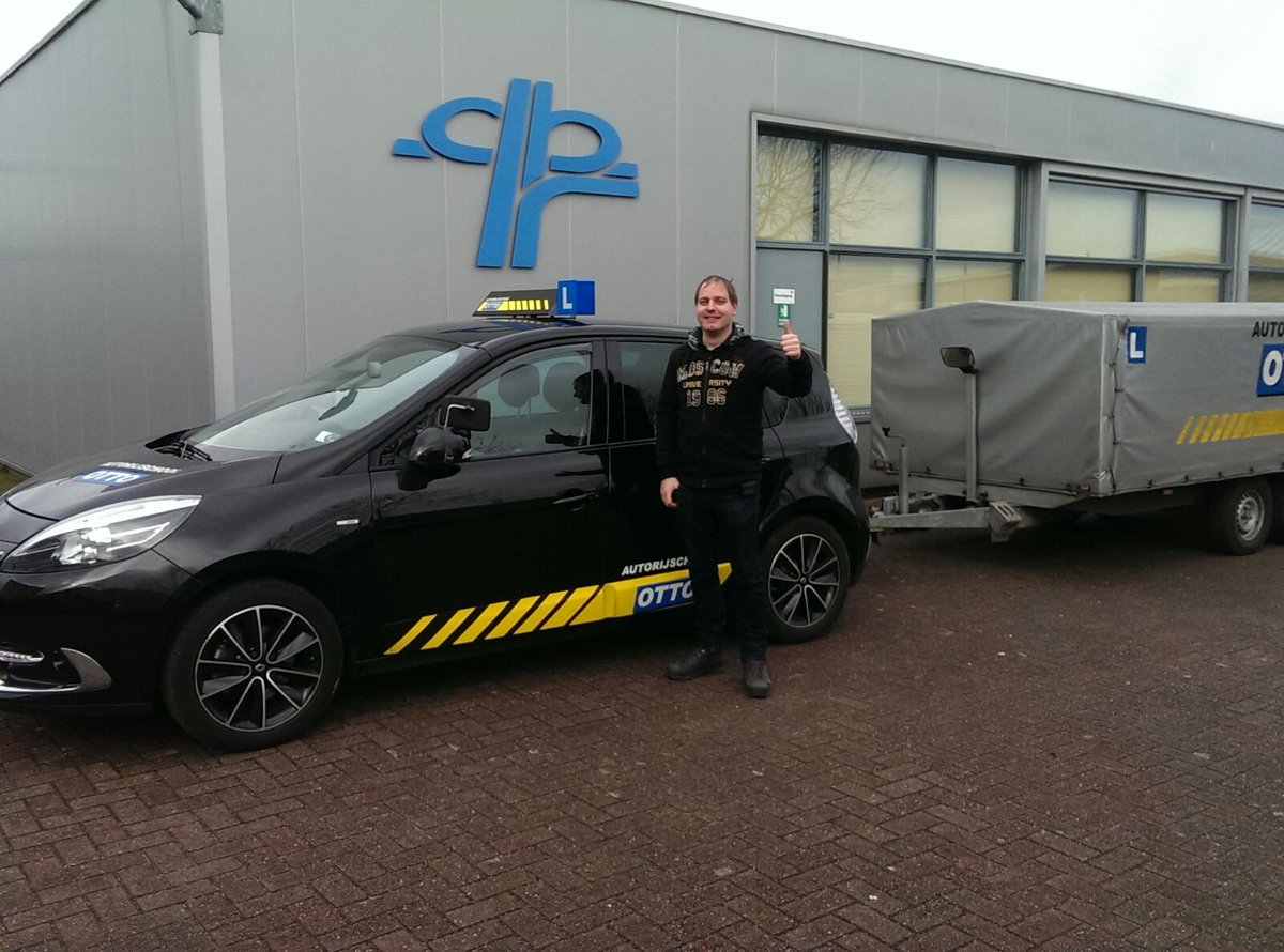 test Twitter Media - Roland de Groot gefeliciteerd met het in 1x behalen van je aanhangwagenrijbewijs BE.  Veel veilige kilometers met jullie nieuwe trailer! https://t.co/dn9rQb4xif