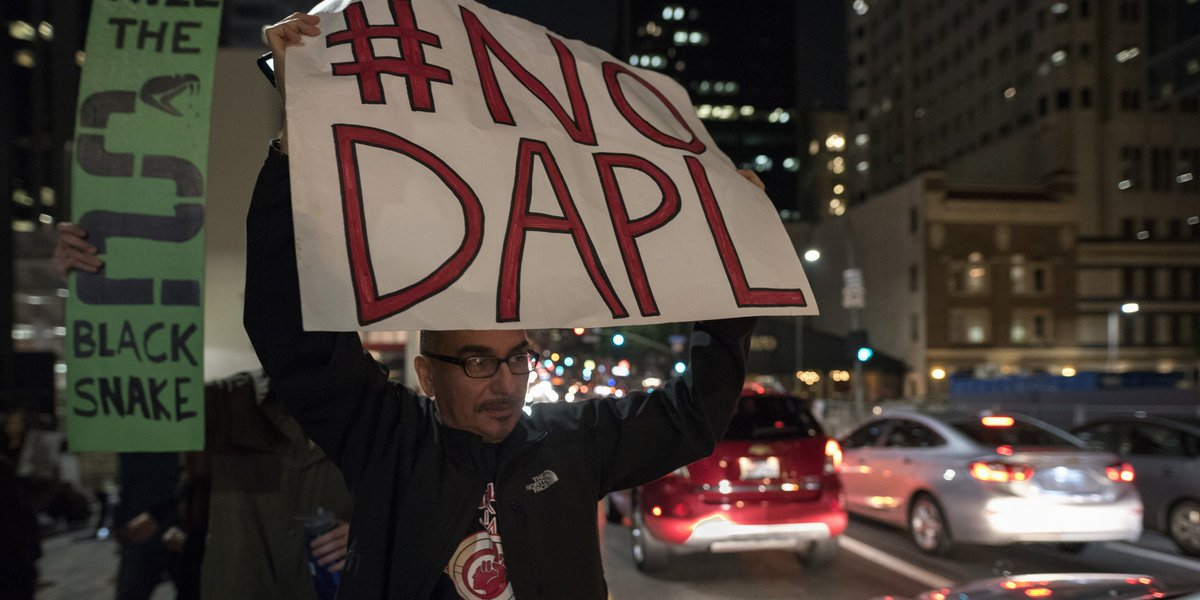 Big investors urge 17 banks to support rerouting of the Dakota Access Pipeline