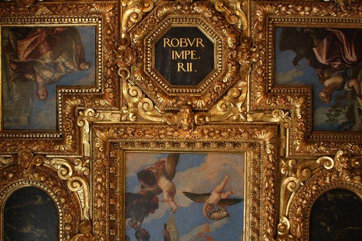 The timeless bond between Venice & gold leaf via  @luisella_romeo https://t.co/KP7yJbAxJp … #travel #art #Italy