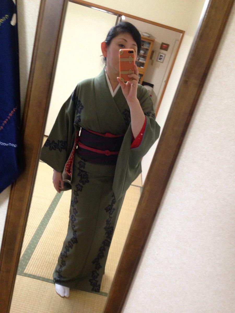 人形作家の辻村寿三郎さんの作品この着物お気に入り♪20代の時に買っていまだにちょいちょい来てます╰(*´︶`*)╯♡里見