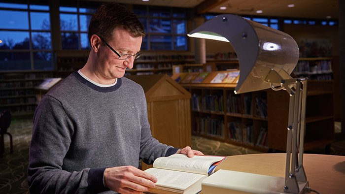 Winter blues, be gone? Toronto Public Library launches light therapy lamp pilot project