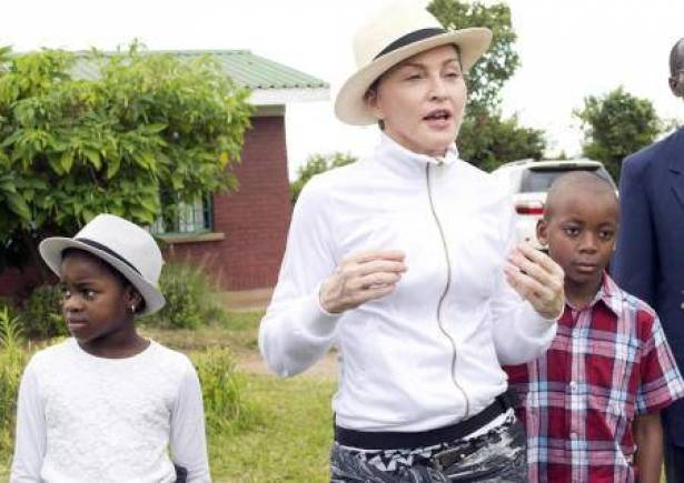 Madonna faced sharp questions in Malawi adoption process