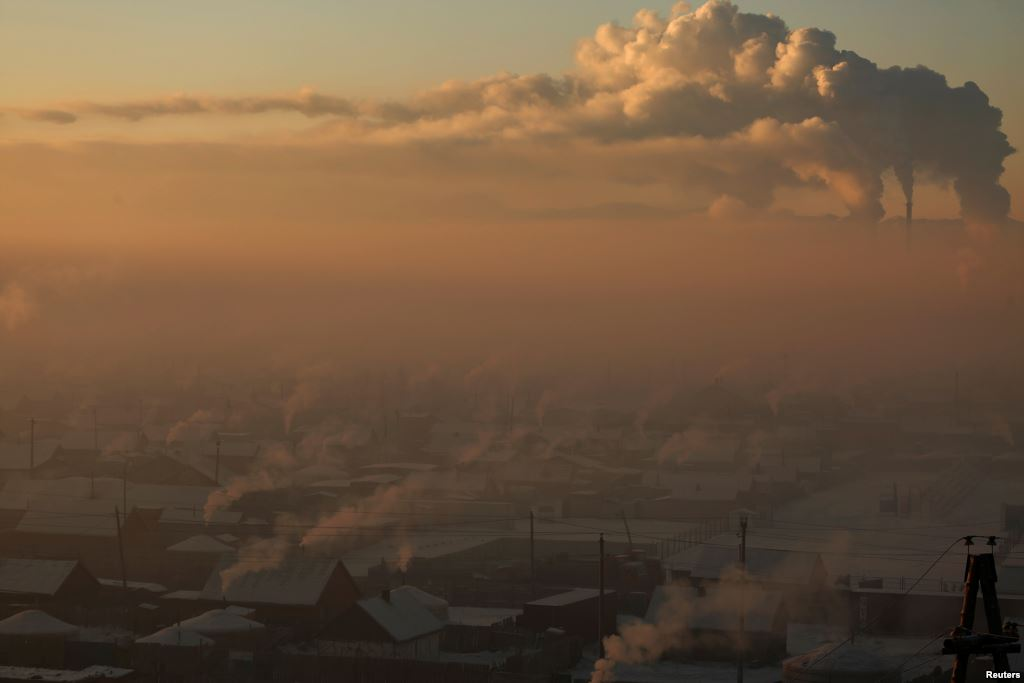 Toxic Smog in Mongolia's Capital Worsens Amid Harsh Winter