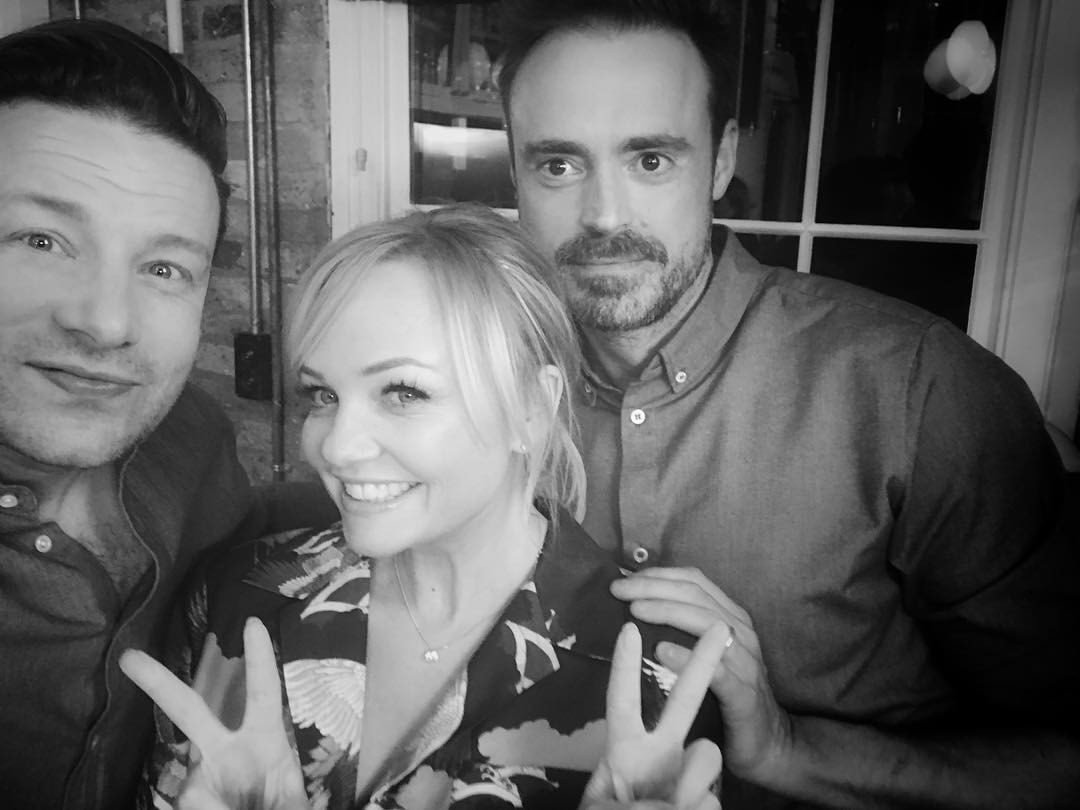 Ah just had a nice cook off with the loverly @EmmaBunton and @JamieTheakston thanks guys you were amazing x x x x https://t.co/UkgK9Bdqcj