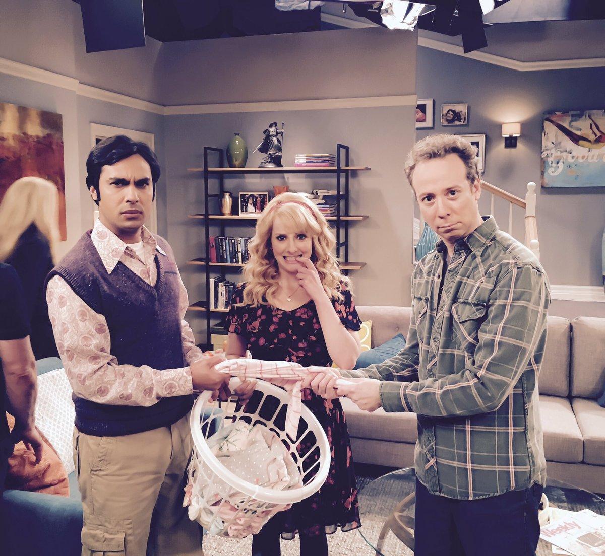 On tonight's @bigbangtheory episode...adventures in babysitting with these guys @kunalnayyar & @KevinSussman https://t.co/XOqOzBjOP3