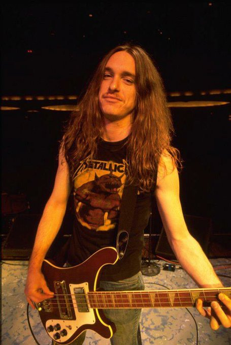 May we never forget the best that ever lived cliff Burton happy birthday and R.I.P