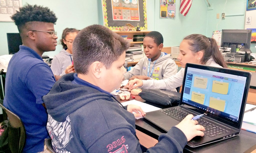 Peer collaboration enhances #learning while #teaching and preparing students to work in diverse environments. #mast1617 @stemefg #edtech https://t.co/fOVo64eQ4Z
