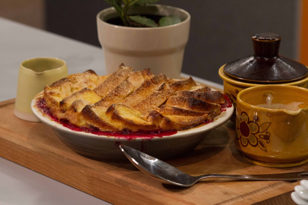 Treat yourself w/ Niamh Kavanagh's @MasterChef_IRL famous roast plum bread & butter pudding https://t.co/fhW1nxQTJr https://t.co/SoVR4UztUU