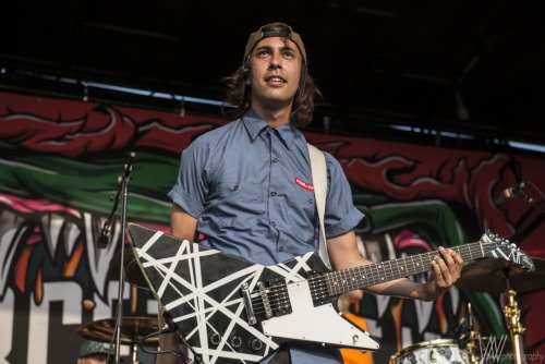 Happy birthday to the one and only Vic Fuentes!