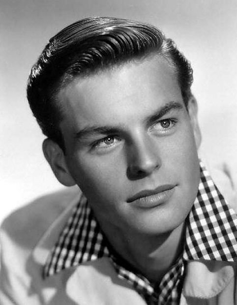 Happy 87th Birthday to the legendary actor Robert Wagner!