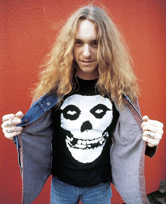 Today would have been Cliff Burton\s Birthday! Happy Birthday man. Absolute legend!!