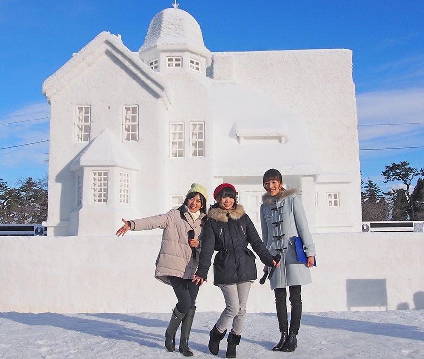 弘前雪燈籠まつりふらいんぐうぃっちキャストトークショーお越しいただいた皆様ありがとうございました。プロジェクションマッピ