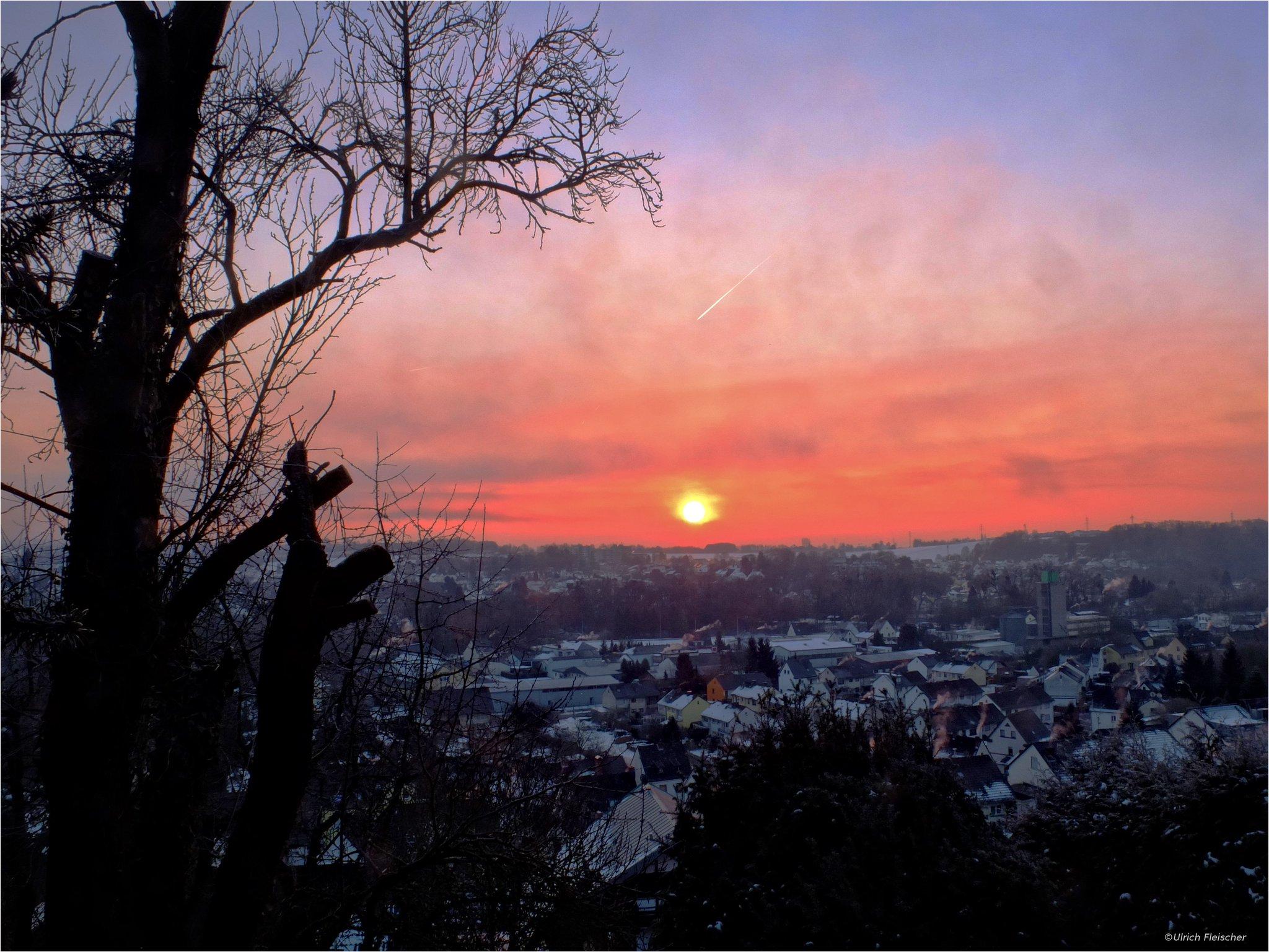 I've added a new Photo  -morning hike-  #Fineart #nature #winter #sunrise https://t.co/tIlBXt23OW
