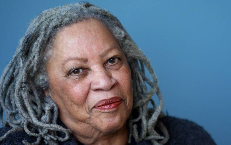 Toni Morrison, the first African American woman to win a Nobel, turns 86 today. Her magnificent Nobel speech: https://t.co/TgZ4YXzNP4