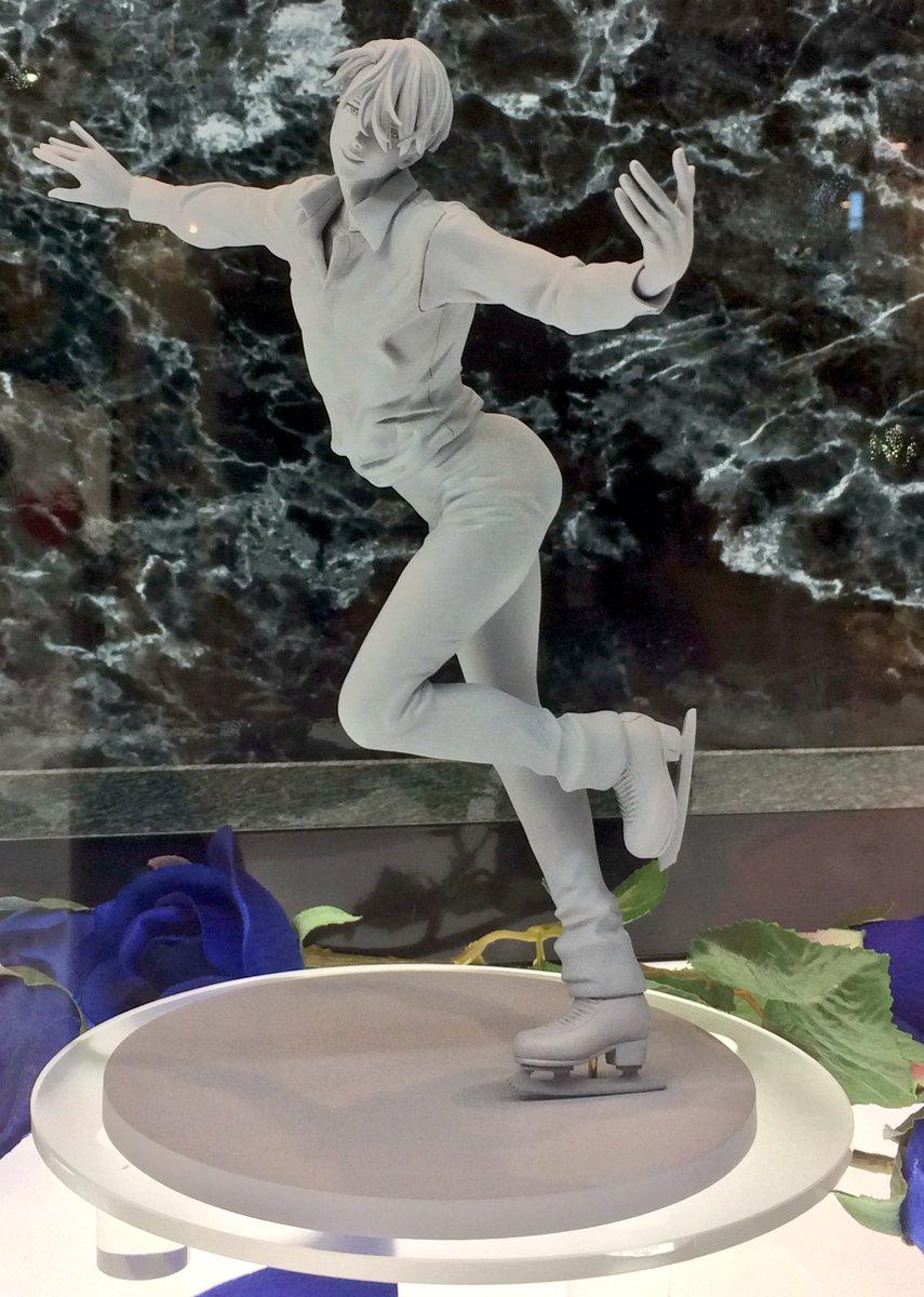 【#wf2017w】G.E.M.「ヴィクトル・二キフォロフ」初展示★印象的なOP衣装で華麗に滑っている一瞬を立体化!フィ