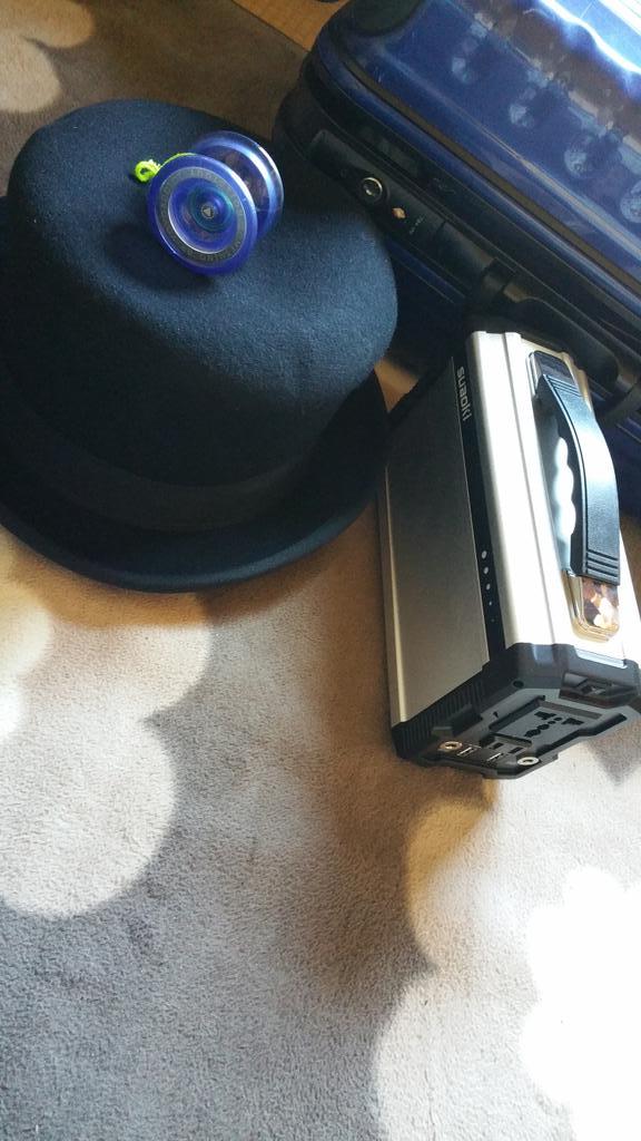 先日、楽天で注文しちょった商品がやっと届きました!!O(≧∇≦)Oリチウムバッテリーとハットジャグリングのハット!!(*