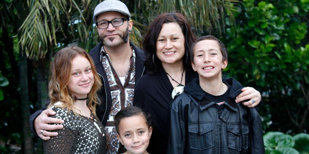 Desperate family fundraise for last chance cancer treatment - intravenous vitamin C