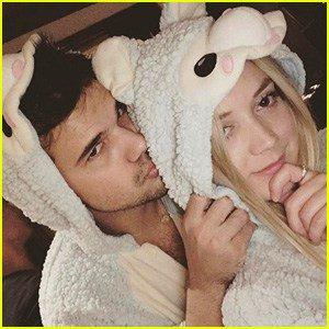 Billie Lourd Wishes Boyfriend Taylor Lautner a HappyBirthday!