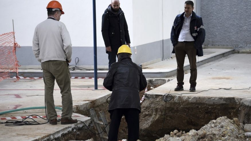 Greece evacuates an estimated 75,000 people to defuse WWII bomb