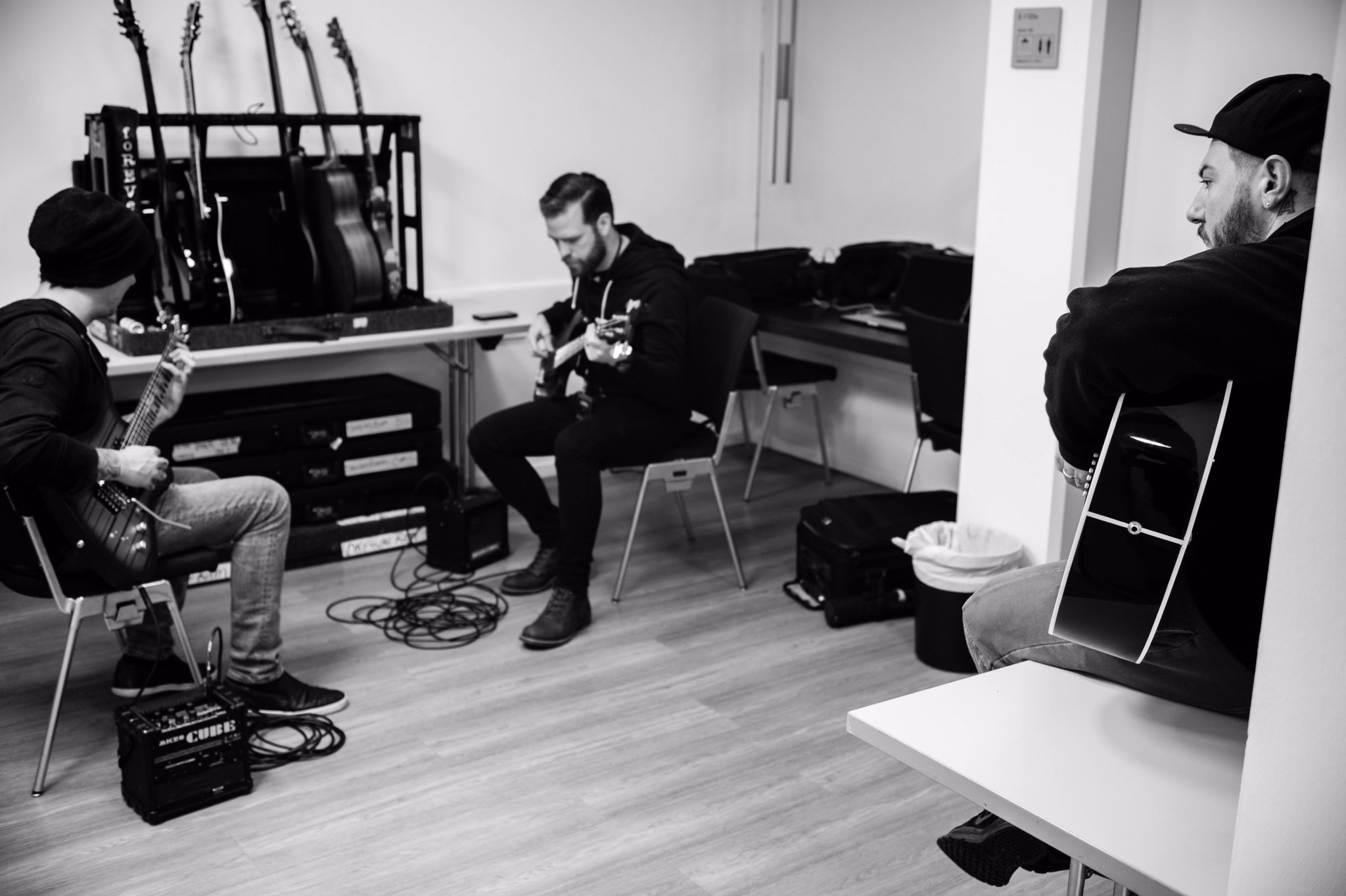 Pre Show warm up with @davestauble - Frankfurt, Germany ���� #thestageworldtour #avengedsevenfold ��: @rafacore https://t.co/9p6d7K98TH
