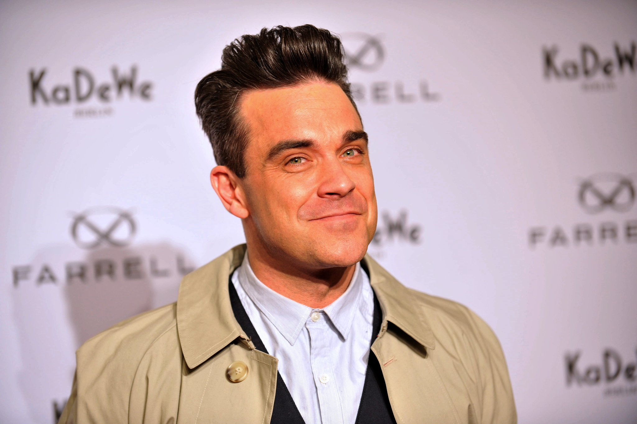 Happy Birthday to Robbie Williams, never fails to entertain us!