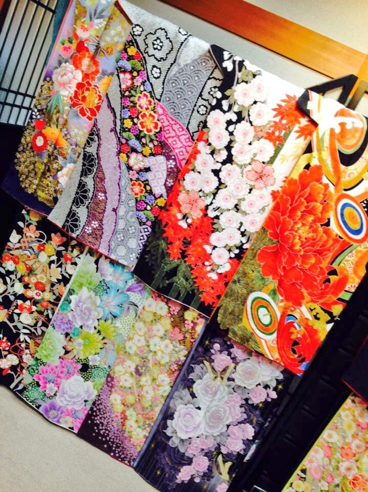 来年成人式のひとらぇ🥀💚あたしンちが振袖・羽織袴貸衣装展示会なぅらしからぜひ気軽にみにぃったって〜〜〜( ´͈ ॢꇴ `