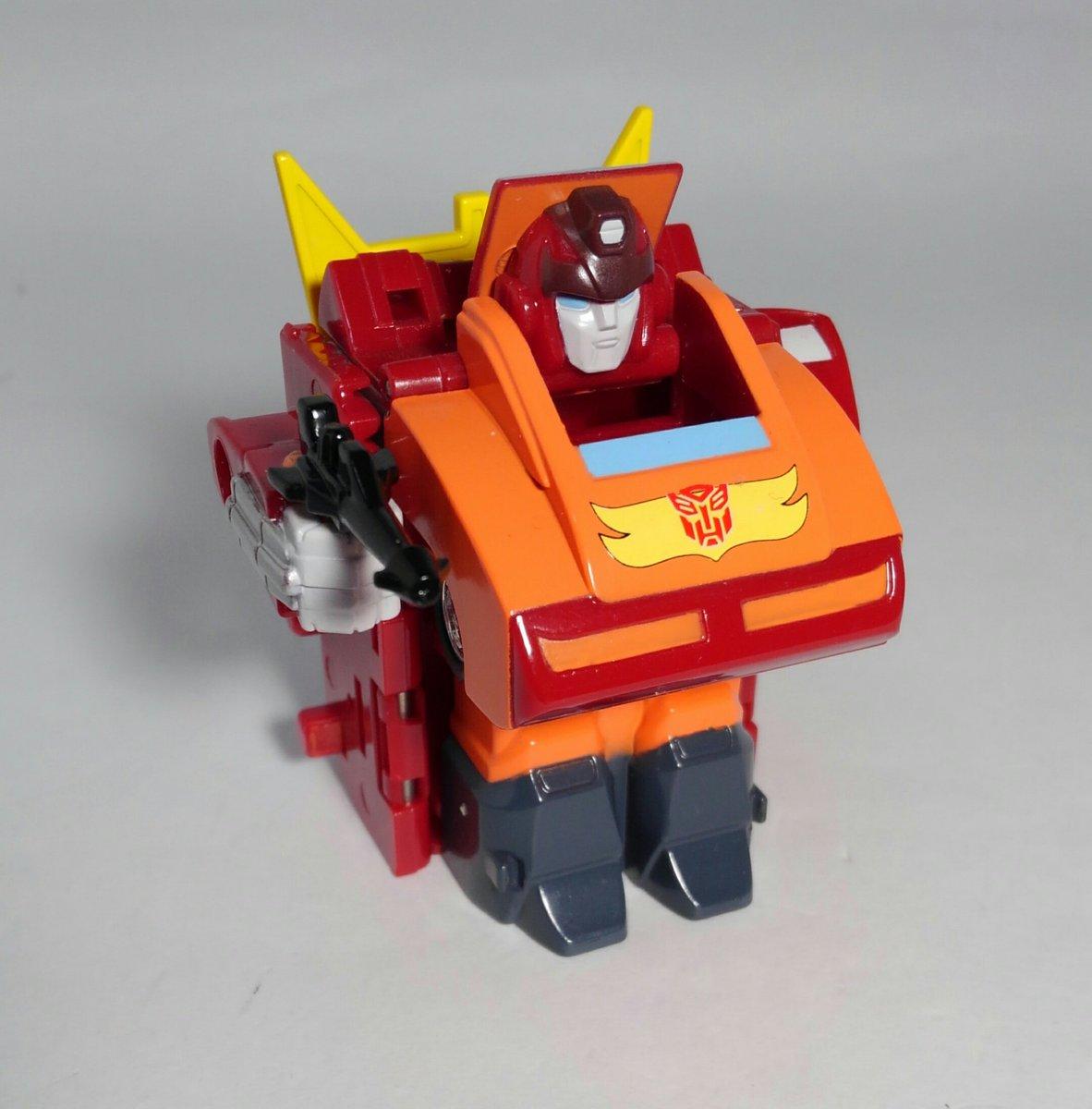 チョロQロボ ロディマスコンボイ(TVカラーver)キュートランスフォーマーの先祖にあたるチョロQロボ(スタンプボットも