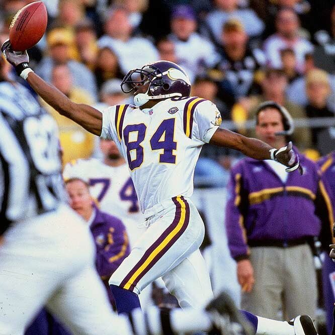 Greatest wide out to ever lace em up Happy 40th Bday Randy Moss