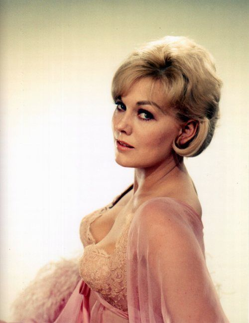 Happy birthday Kim Novak, 84 today: Vertigo, Bell Book and Candle, Pal Joey, The Man with the Golden Arm, Picnic