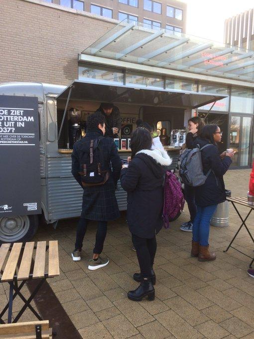 RT @erasmusuni: Studenten @erasmusuni in gesprekmetdestad.nl #makeithappen. #campuswoudestein https://t.co/SmvGKsR9DH