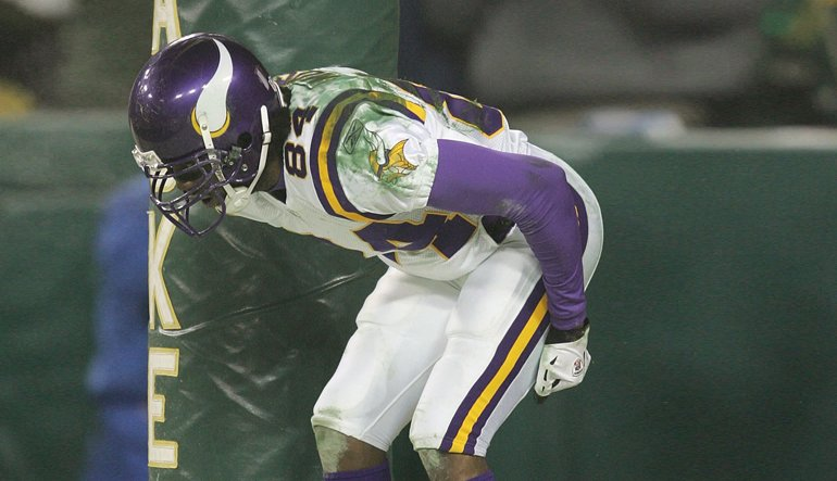 Happy birthday, Randy Moss! A year from now, will he be celebrating in a gold jacket? |