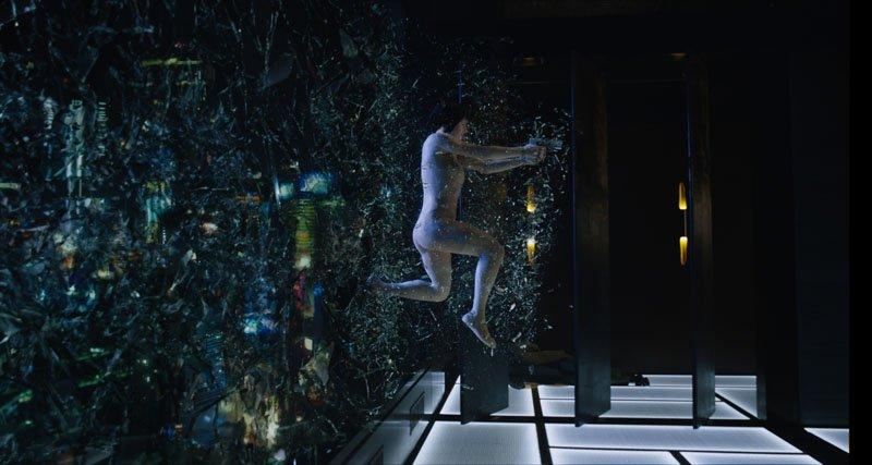 スカーレット・ヨハンソン主演「ゴースト・イン・ザ・シェル」の最新予告編が公開。世界中でファンの多い「攻殻機動隊」シリーズ
