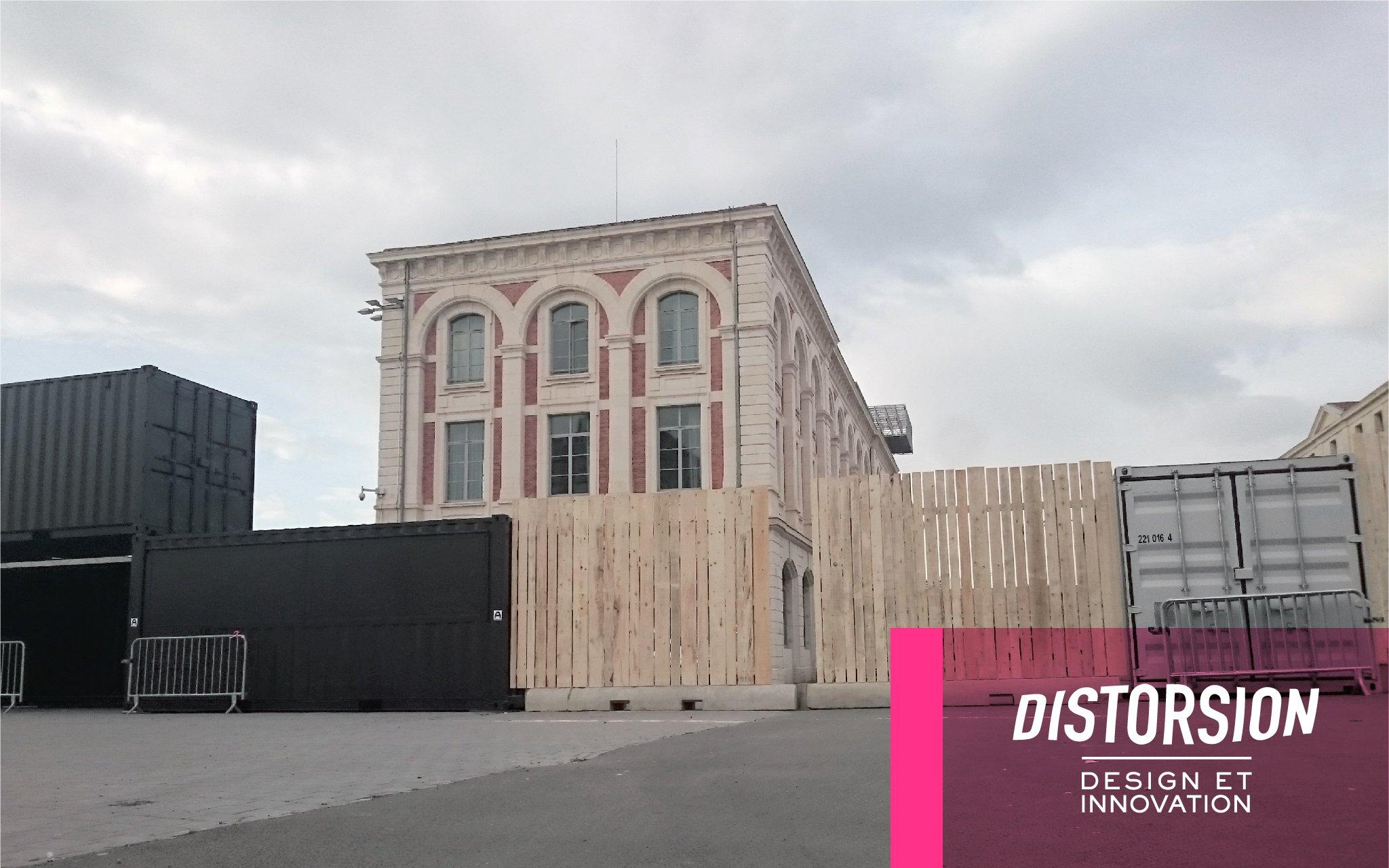 L'échéance approche... @lacitedudesign se transforme en cité interdite pour conserver les mystères de la #biennaledesign17 à venir. https://t.co/USmx2nuqU4