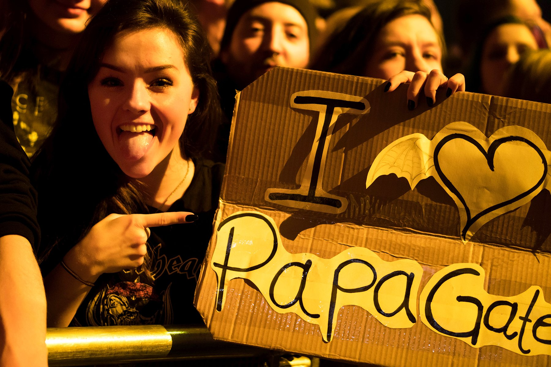 Who do you love? Happy Valentines Day. #papagates #thestageworldtour ��: @rafacore https://t.co/XYBDjf4als