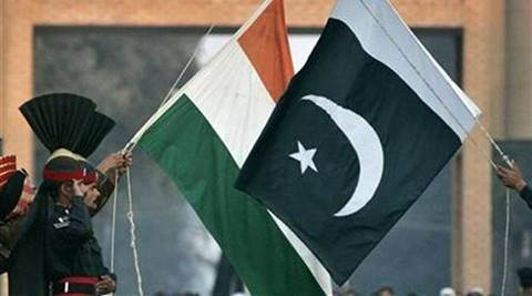 Pakistan court allows private channels to show Indianfilms