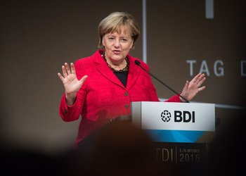 Merkel to press Tunisia PM on migrant repatriations