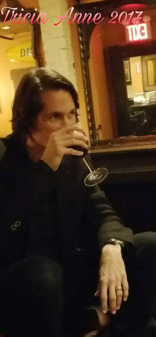 Birthday Michael Easton Forever ! Wishing you many many more ! Happy Birthday !