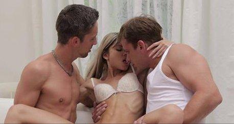 sex threesome