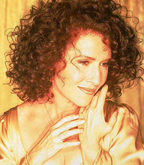 Happy birthday to singer and songwriter Melissa Manchester who is 66 today