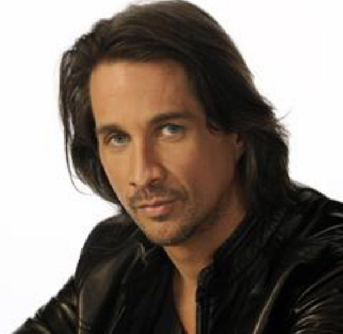 Happy Birthday to the gorgeous Michael Easton!