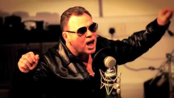 FELIZ CUMPLEAÑOS, ALI CAMPBELL! / HAPPY BIRTHDAY, ALI CAMPBELL! (58)
