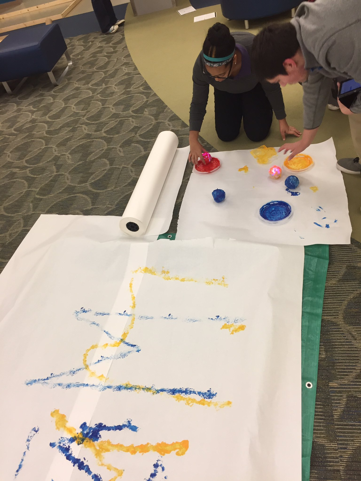 @Sphero #painting with #sphero ! #art and #technology #integration ! #OurBMSA @msalang  pic is of work in progress @biomedacademy https://t.co/tHNKdos8Ew