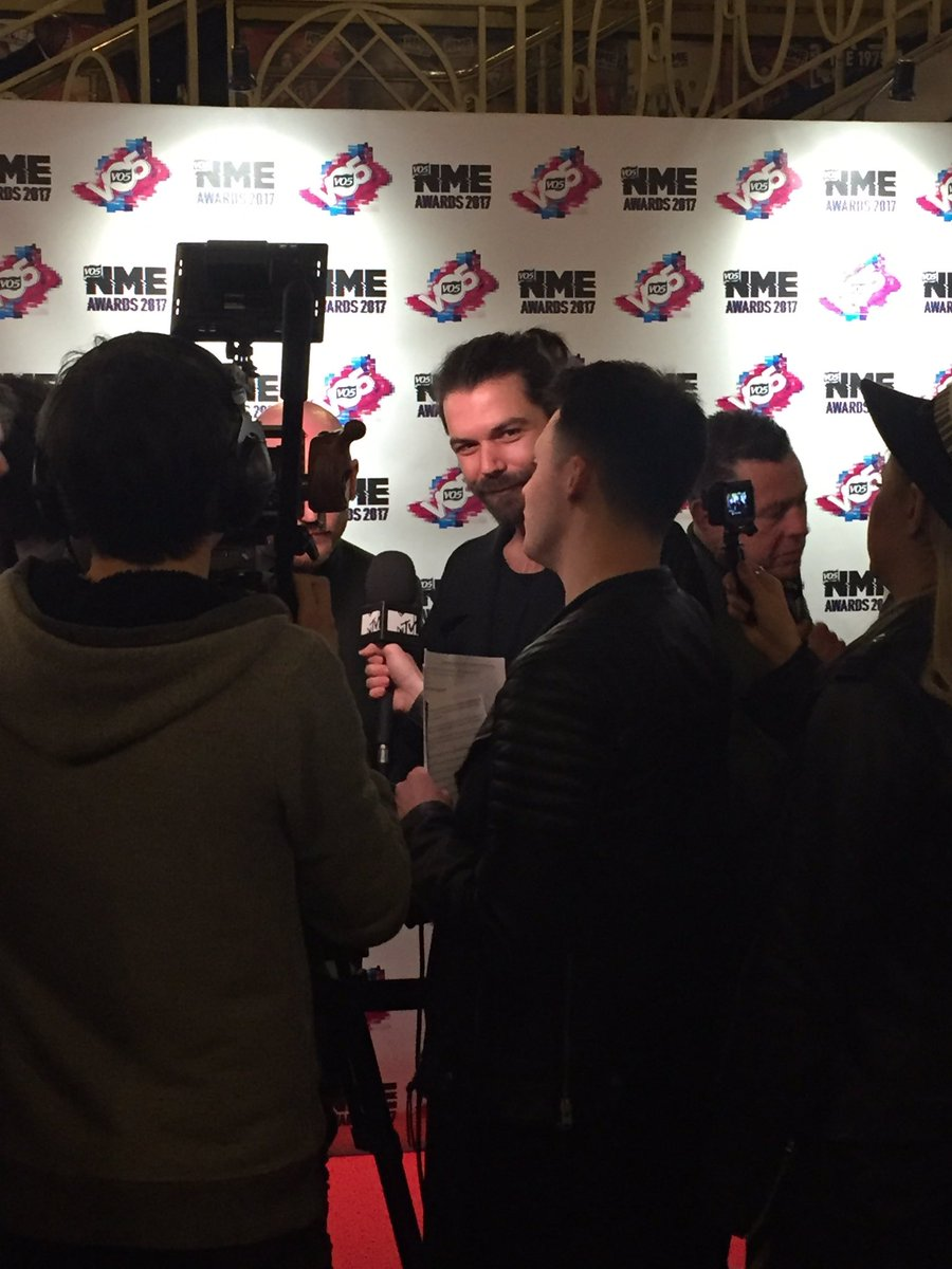 Biffy Clyro walking the red carpet at the #VO5NMEAwards @BiffyClyro