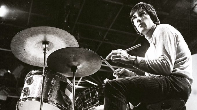 Happy birthday to Mick Avory of The Kinks  absolute legend