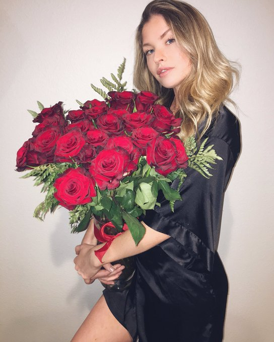 Hope you had a lovely Valentine's Day 🌹❤ https://t.co/uZ48ptPb6y