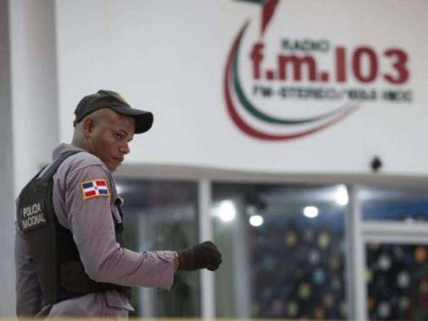 Two Dominican Republic radio journalists shot dead mid-broadcast