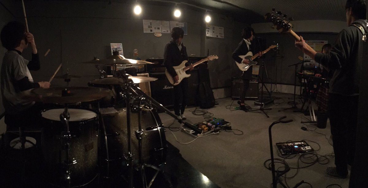 昨夜、3月19日(日)に出演してくださる『aoi pupa』さんのスタジオ練習にお邪魔させて頂きました!!ライブでの演奏