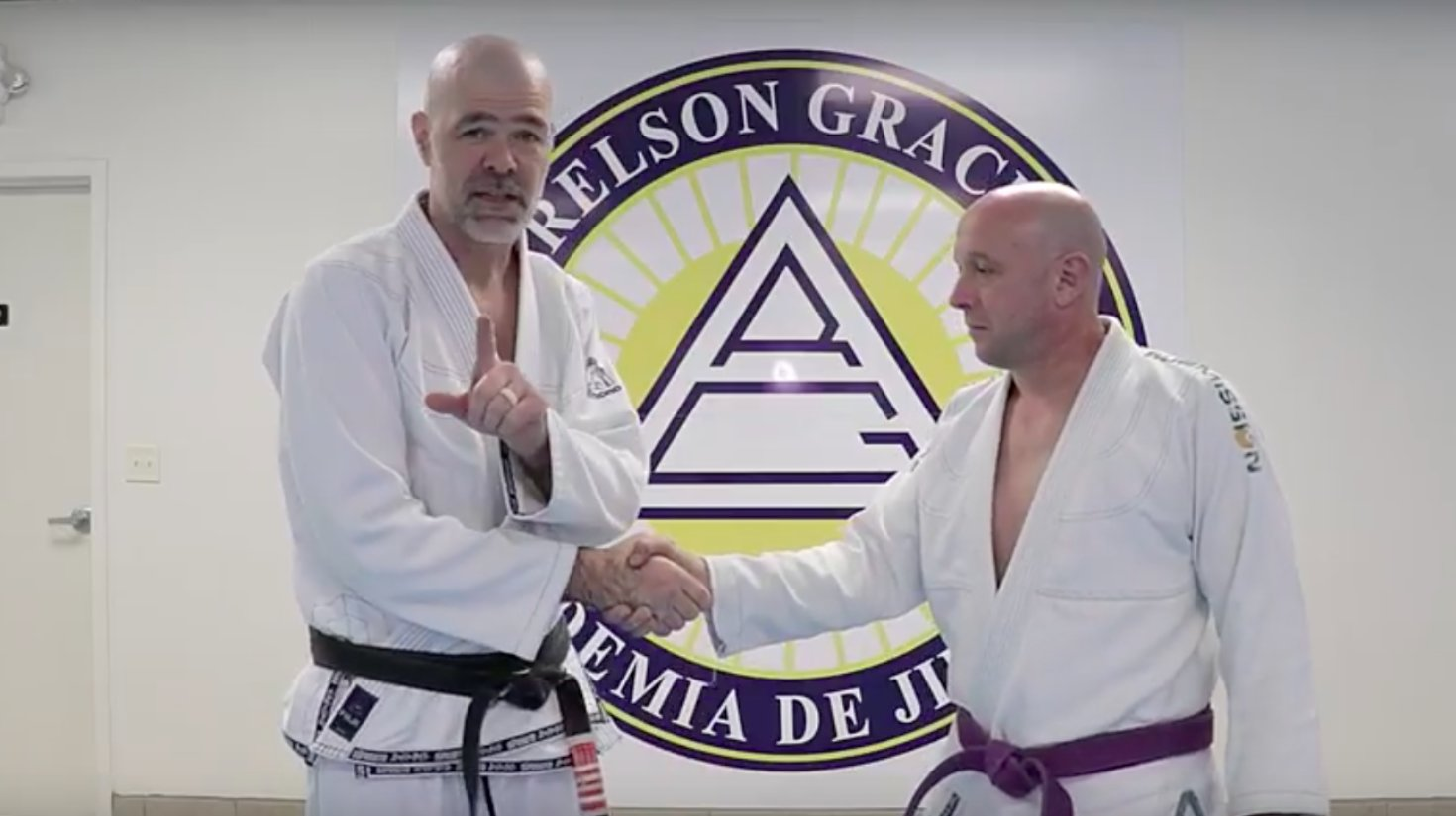 This jiu-jitsu academy made a video about how to defeat the Trump handshake: https://t.co/BZ7JLtMjtE https://t.co/2tjzXiWoan