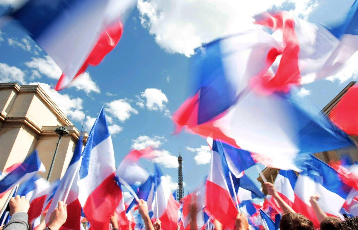 François Fillon: Un grand rassemblement du peuple de droite prévu dimanche à Paris contre le coup d'Etat des juges>> https://t.co/zvqsx0dAuz