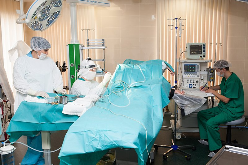 клиники по суставам омск